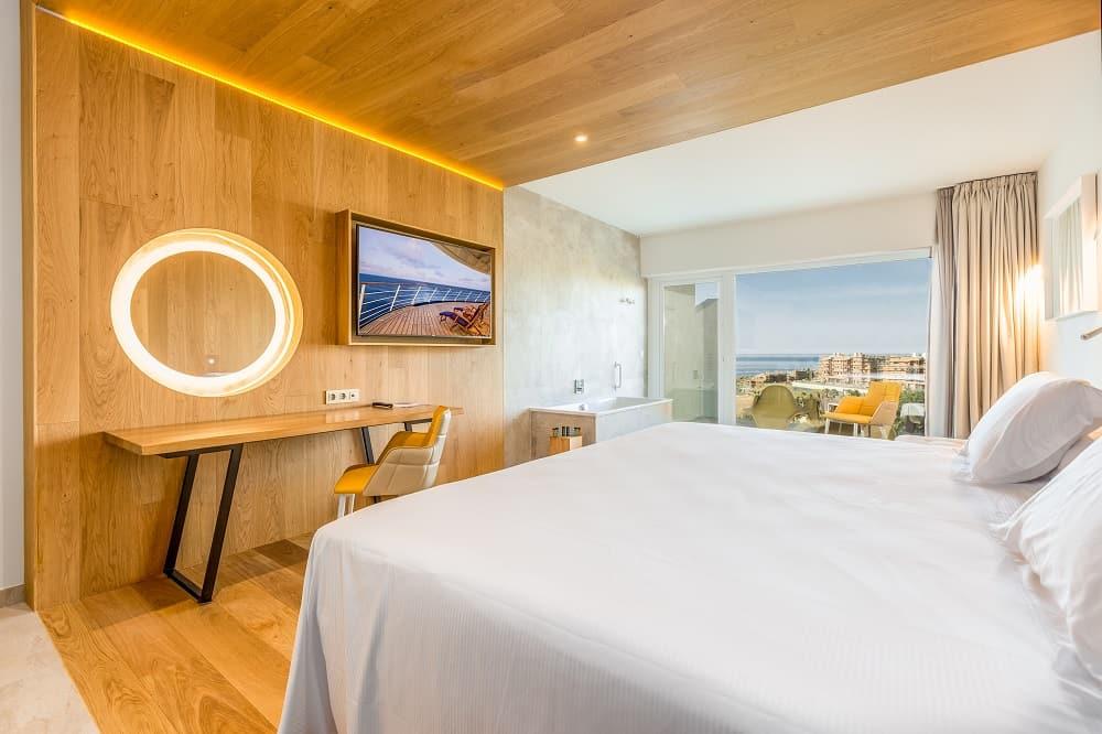 Higueron bedroom
