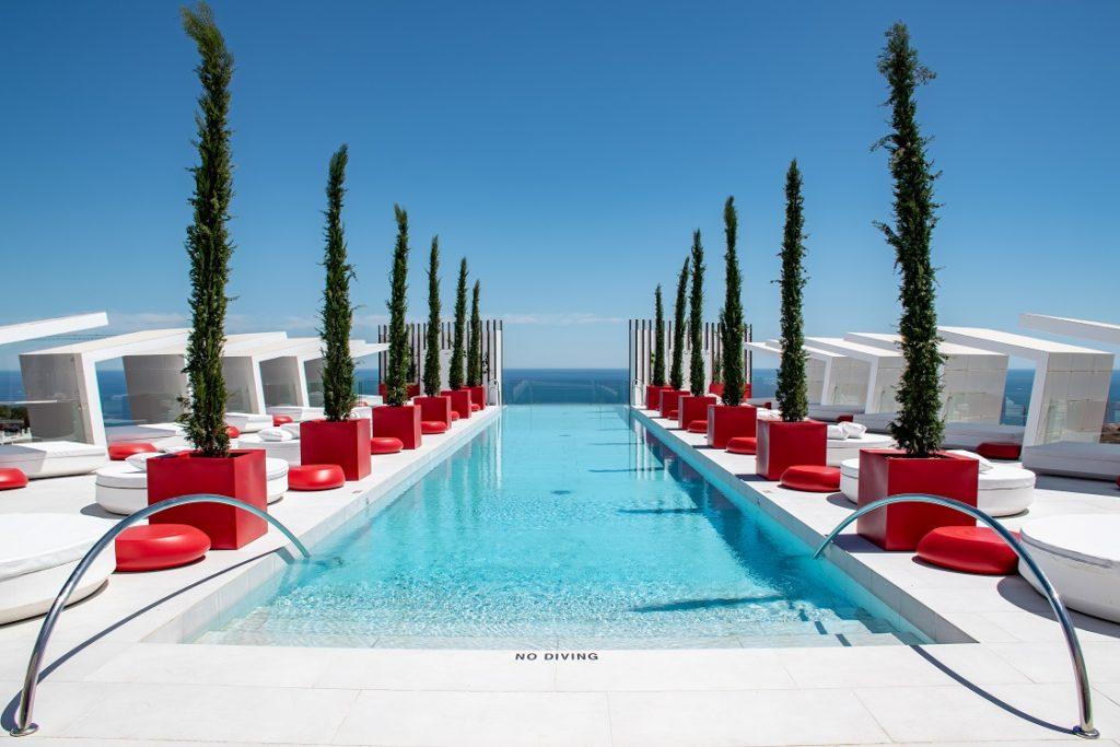 Infinty pool Higueron